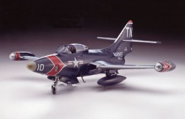 REV04582 - F9F-5P Panther 1/48 - Revell